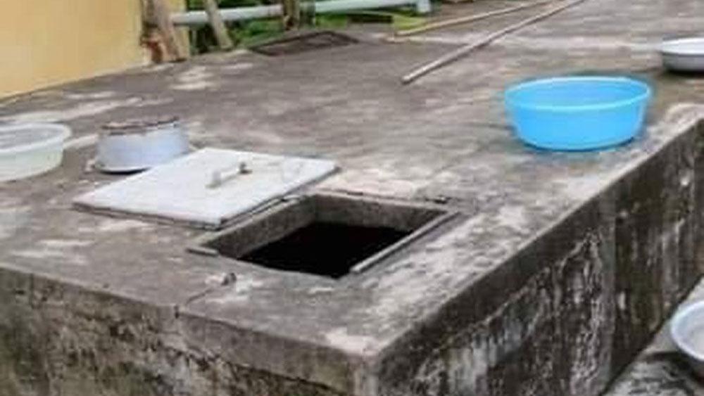 Hai anh em ruột tử vong thương tâm trong bể nước của gia đình